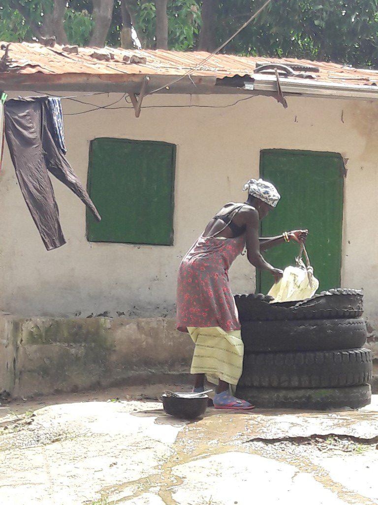 Waterput voor wassen koken en de was