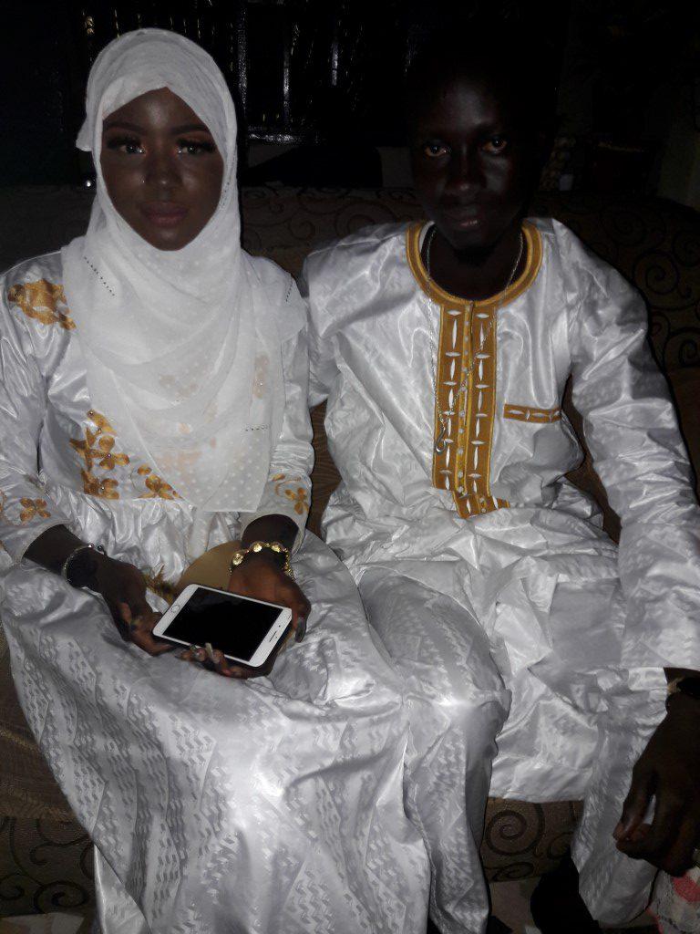 Traditionele kleding bruid en bruidegom