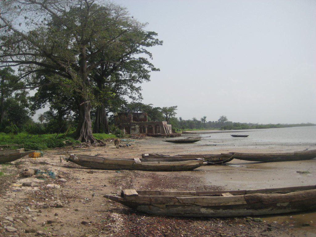 Ruine uit koloniale tijd bij Jufereh